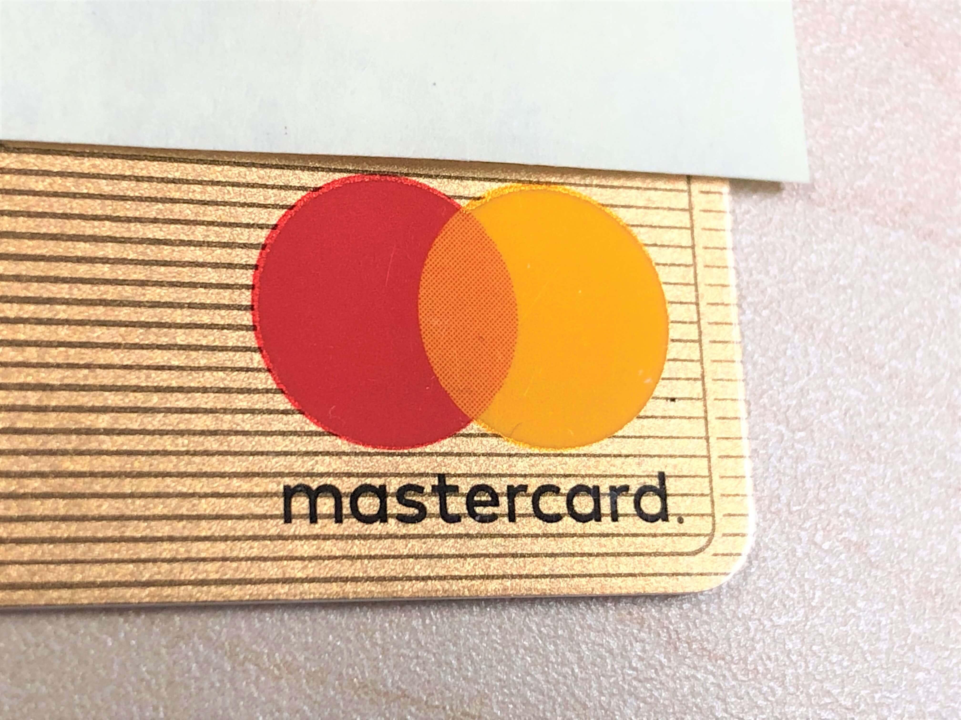 マスターカードブランドのクレジットカードの写真